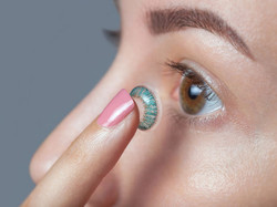 lentilles-contact-colorees-attention-aux