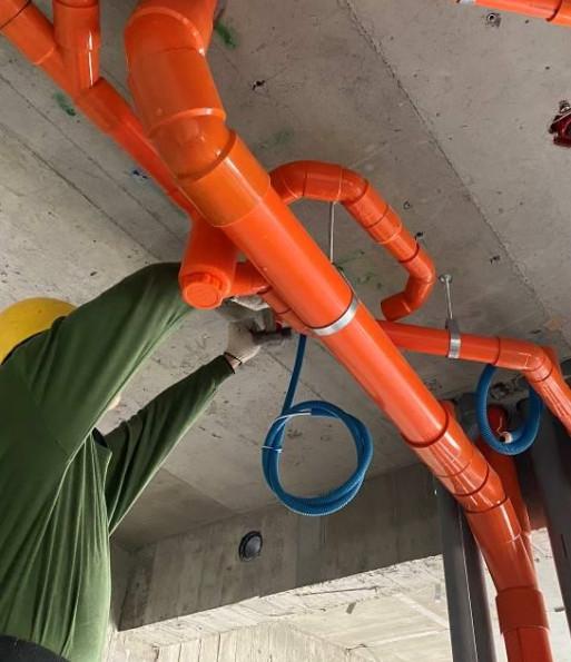 B 棟 6F 室內排水吊管施作