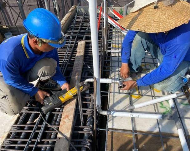 B棟7F底板水電配管(給水管路壓接配置)