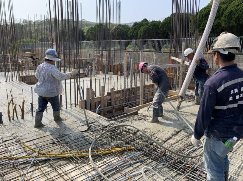 D1、2、3 區 2FL 樑版 1FL 柱牆混凝土澆置