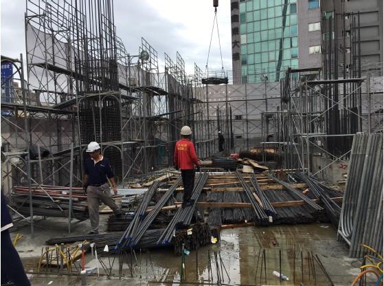 2 F 柱、撐牆鋼筋吊料