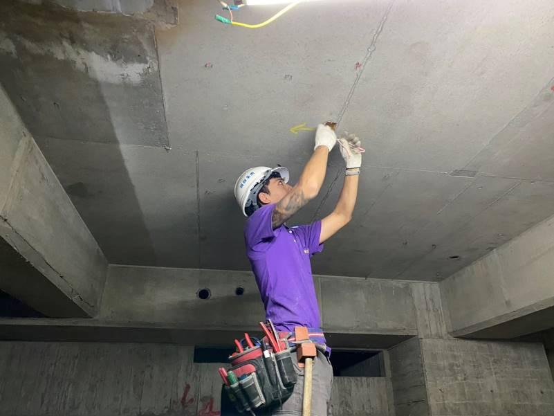 地下室B1~B2F天花板線路拉設(消防、通風)