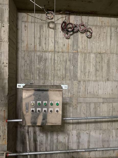 地下室臨時照明自動控制箱體架設