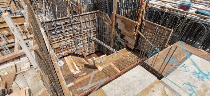 1F~1 MF 樓梯模板組立