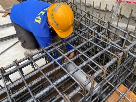 B1F~1F 車道底板水電套管施作