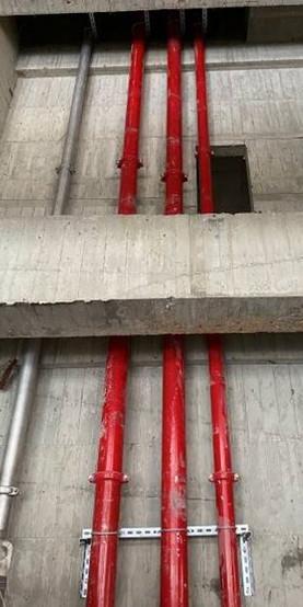 A棟管道間1~9F消防、給水幹管配置