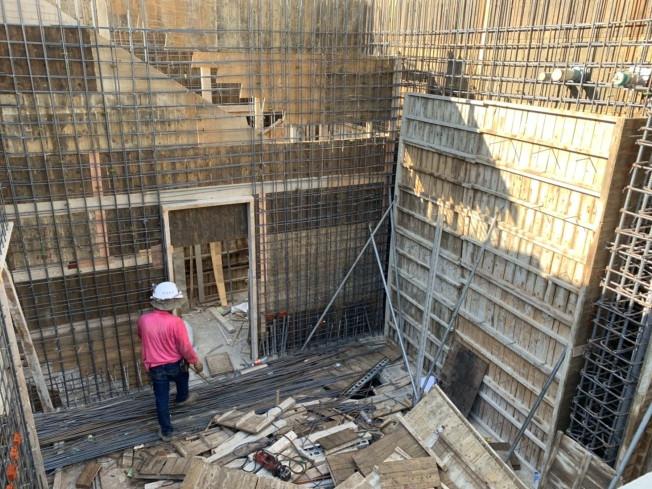 會館樓梯牆鋼筋綁紮