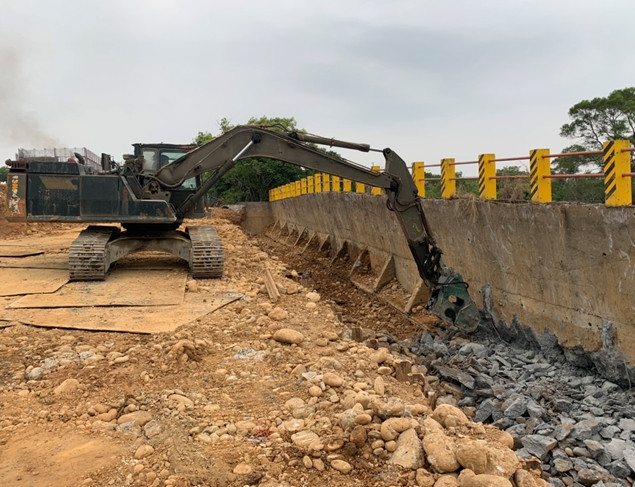 二期擋土牆拆除、周邊降挖