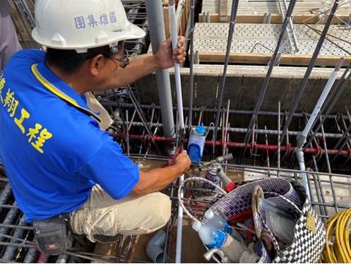 1MF底板水電配管(給水管路壓接配置)
