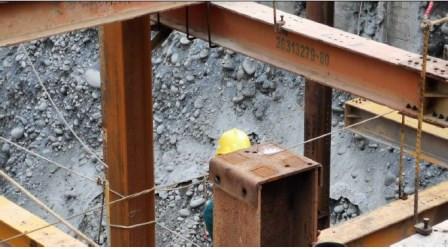 14.構台柱帽蓋鎖固