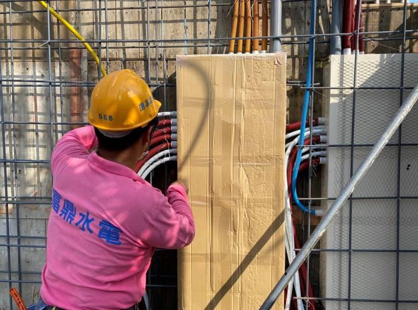 A棟5F柱牆水電配管(開關箱安裝及管路配置)