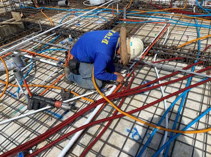 B棟17F底板水電配管