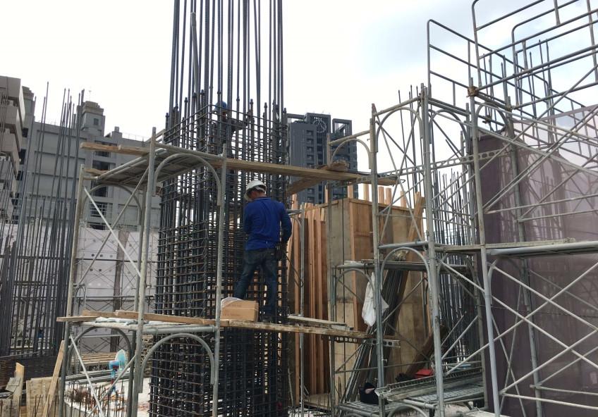 4樓鋼筋組立作業