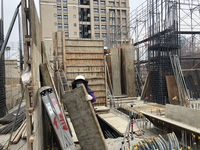 A 棟 9FL 柱、牆模板組立