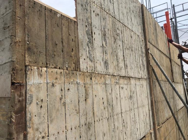 B棟15F立單面牆模