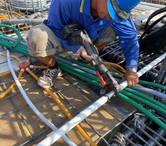 A 棟 7F 底板水電配管(給水管路壓接配置)
