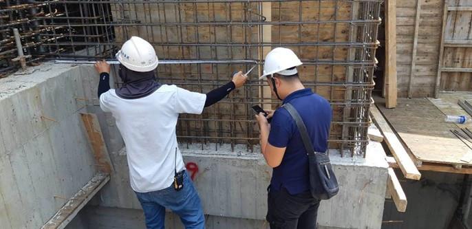 會同廠商丈量電梯管道尺寸