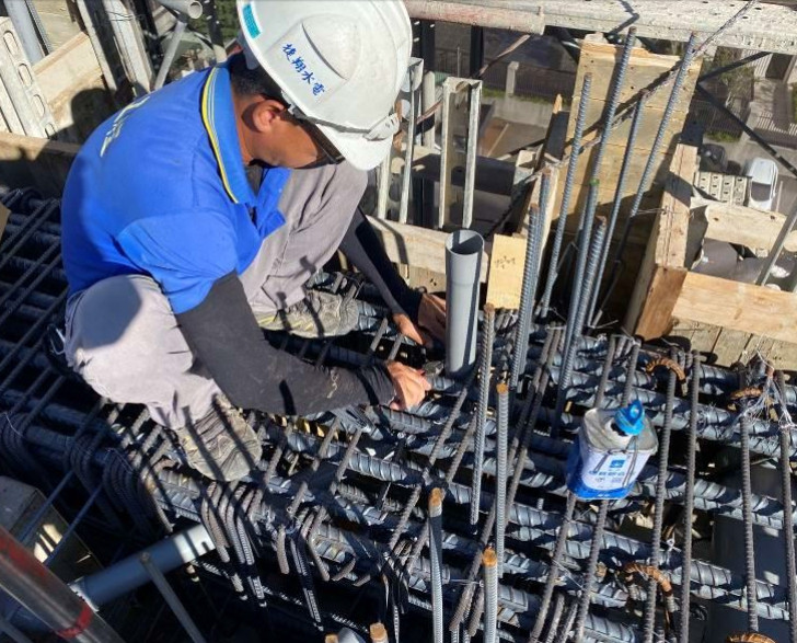 A棟6F底板水電配管(排水管路配置)