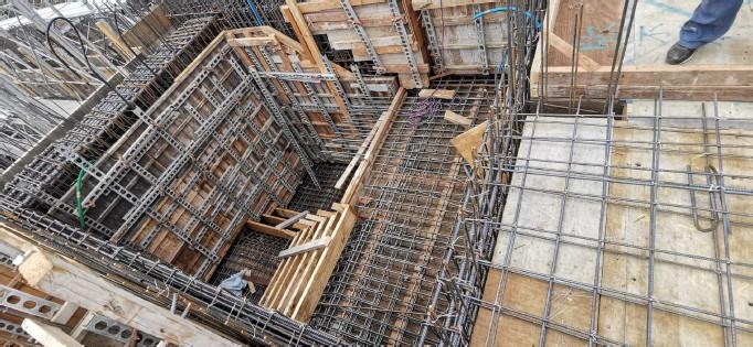 1F~MF樓梯鋼筋綁紮施工