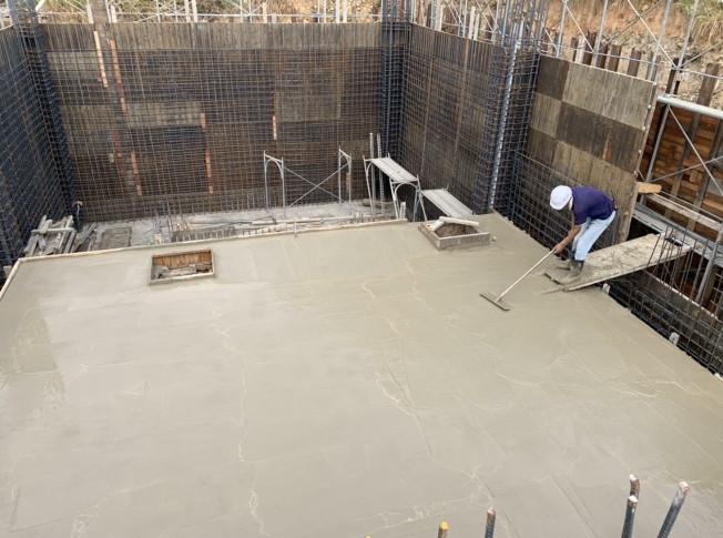 會館水箱頂板混凝土澆置