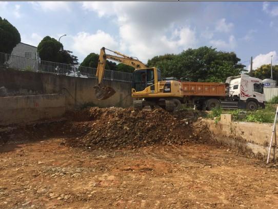 基礎開挖出土作業 (S 區)