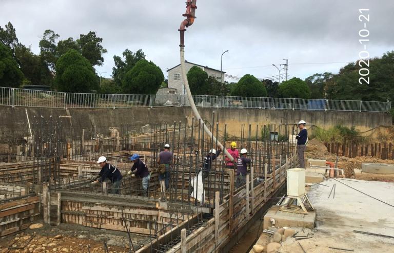 S.D區淺樑圍牆混凝土澆置