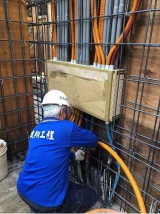 B4F 柱牆弱電箱體及管路配置