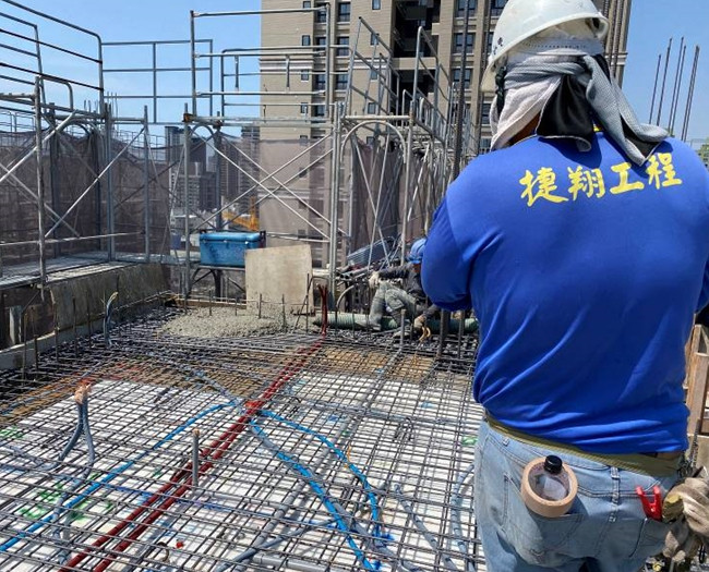 B棟14樓底板RC水電顧管