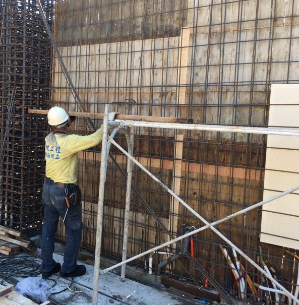 5F(B 棟)牆鋼筋綁紮