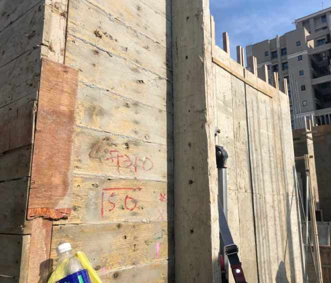 B棟16 F牆柱模板組立