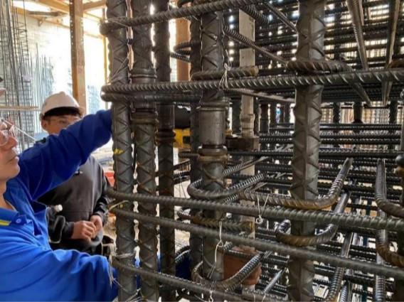 B3F 柱牆水電管路配置(消防給水管壓接)
