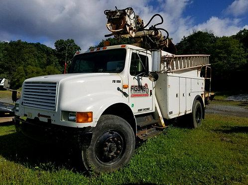 1990 International Boom/Pole Digger Truck