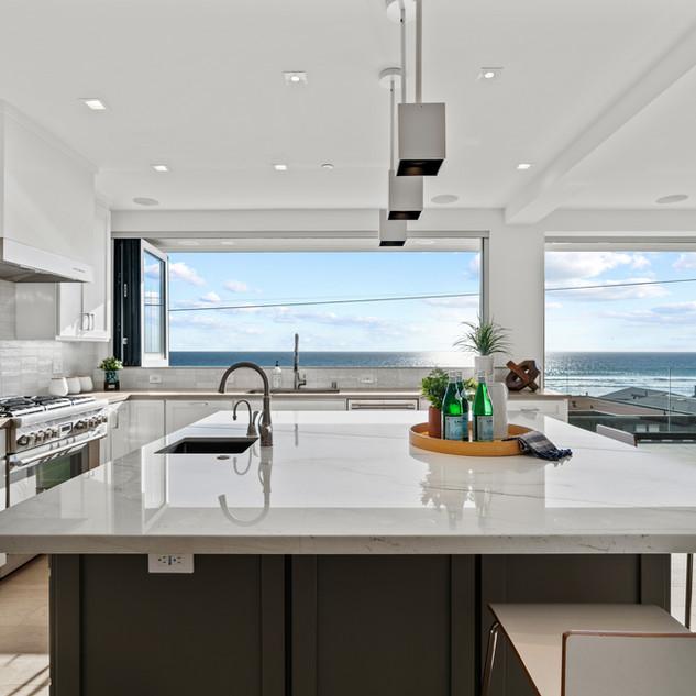 2nd Floor Penthouse - Kitchen Island