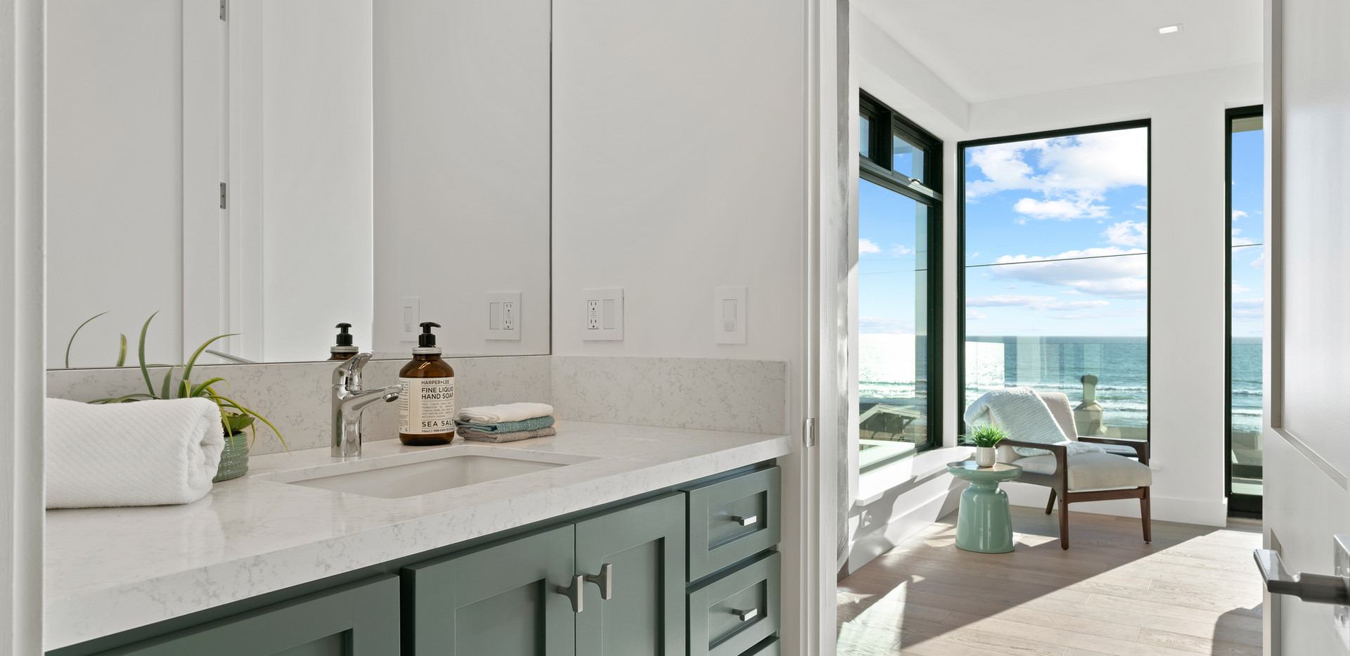 2nd Floor Penthouse - Guest Bath