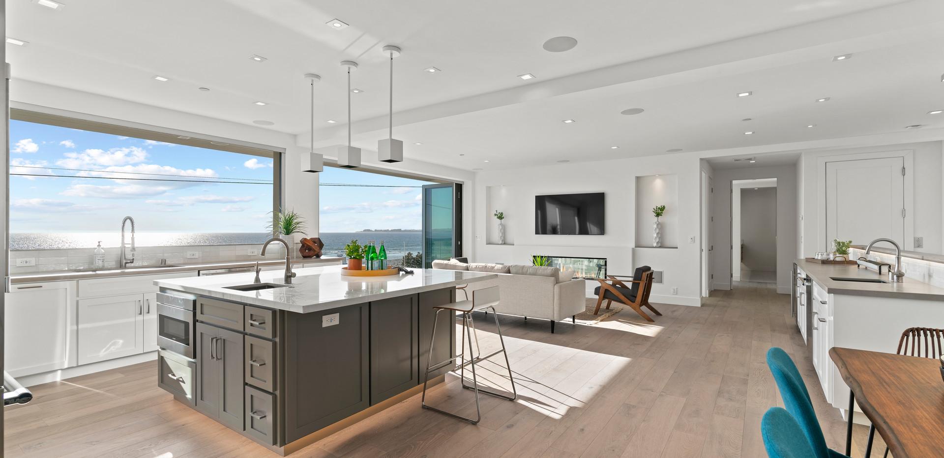 2nd Floor Penthouse Kitchen/Living