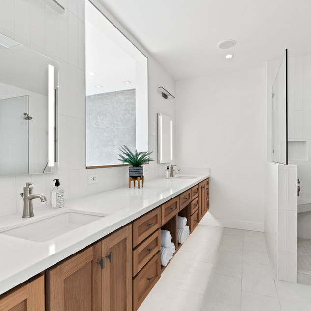 2nd Floor Penthouse - Primary Bathroom
