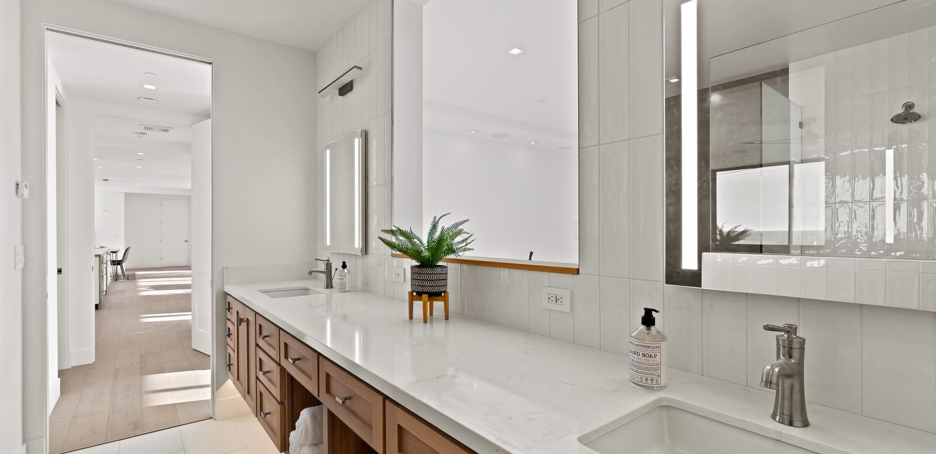 2nd Floor Penthouse - Primary Bath