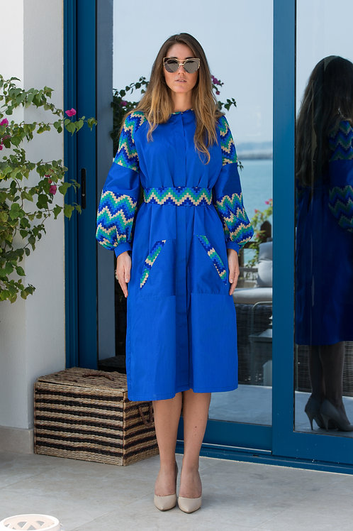 Coat dress with printed silk sleeves