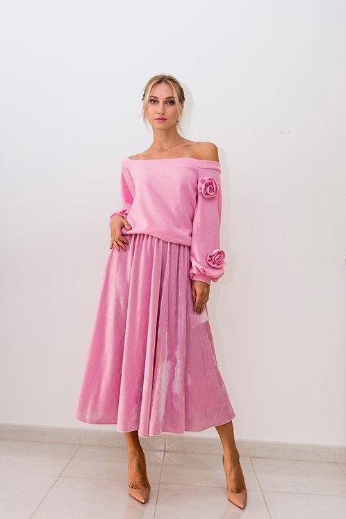 Flower detail off shoulder top & velvet skirt set