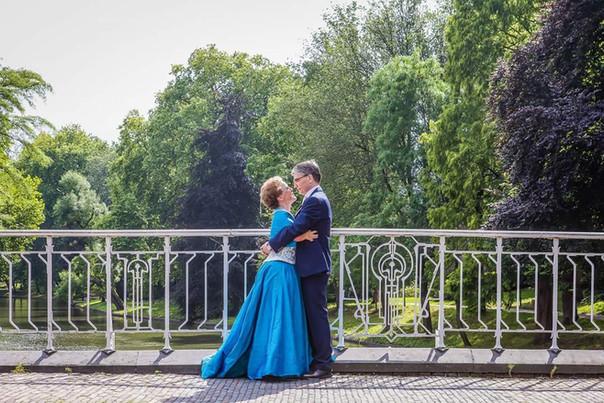 bruidspaar op de brug.jpg