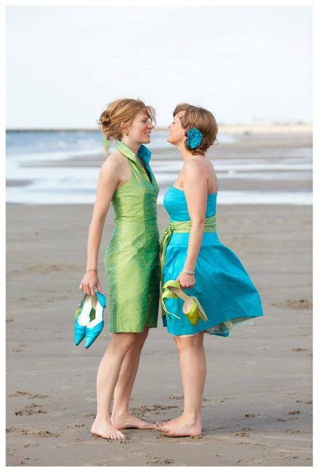 bruidspaar op het strand.jpg