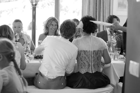 bruidspaar aan het diner.JPG