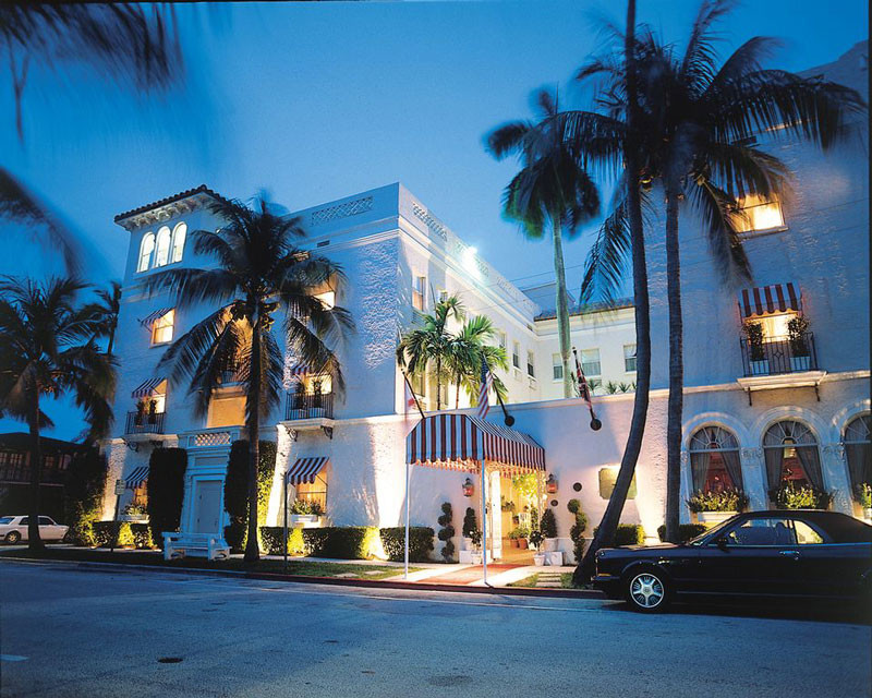 The Chesterfield Hotel in Palm Beach at night