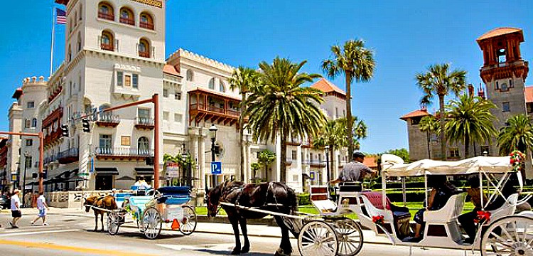 Horse and carriage rides in historic St. Augustine