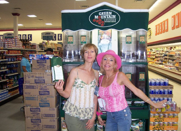 Tracey and Lisa at the island market