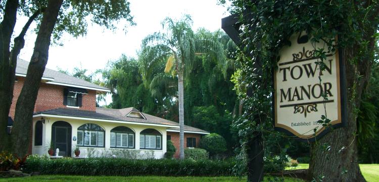 Town Manor in Auburndale