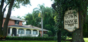 Town Manor in Auburndale