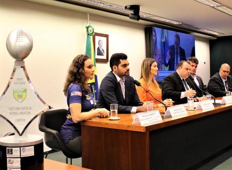 Com presenças ilustres, Comissão do Esporte debate propostas para a evolução do futebol americano no
