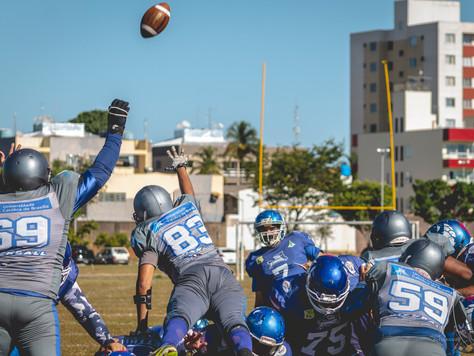 Com quatro touchdowns de B2, Tubarões aplica a maior goleada da história da BFA
