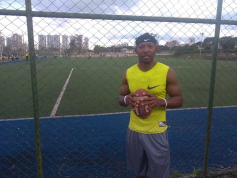Novo quarterback do Leões, Jamere Murphy surpreende nos primeiros treinos